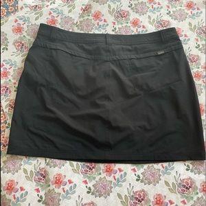 Like new Eddie Bauer Black Skort size 16